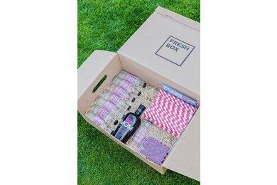 Queen gin box